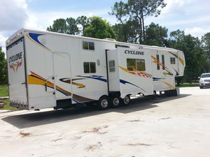 2008 Heartland Cyclone Toy Hauler for Sale in Port St. Lucie, FL