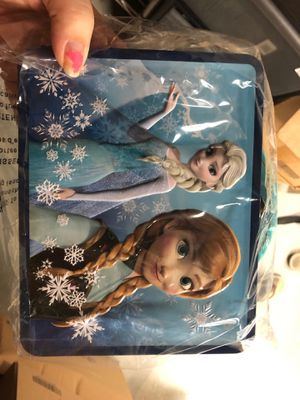 Frozen Anna and Elsa Tin Lunchbox Brand New for Sale in Plano, TX