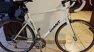 Bicycle GIANT DEFY road bike 700cc Large frame for Sale in South Gate, CA