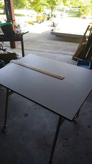 Omni 42x30 drafting table for Sale in Windsor charter Township, MI
