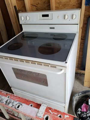 Electric glass stove and oven for Sale in Sioux City, IA