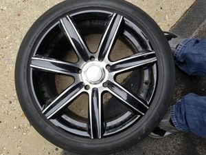 Set of 5 black and chrome rims 17' inch for Sale in Chicago, IL