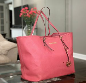 Micheal Kors Pink tote hand bag for Sale in Downers Grove, IL