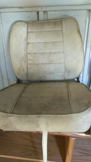 3 boat seats no tares just need cleaning for Sale in East Wenatchee, WA