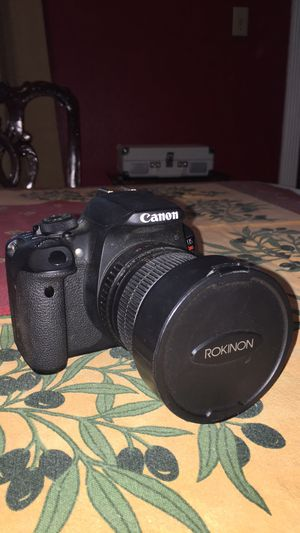 Canon T5i and lenses $300 obo for Sale in Helotes, TX