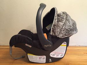 Chicco Keyfit Infant Car Seat and 2 Bases for Sale in Lynnwood, WA