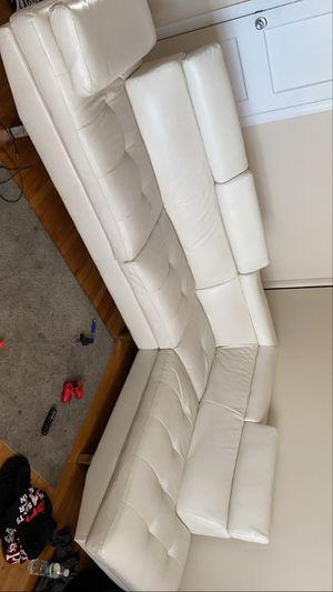 White leather sectional with cocktail table for Sale in Philadelphia, PA