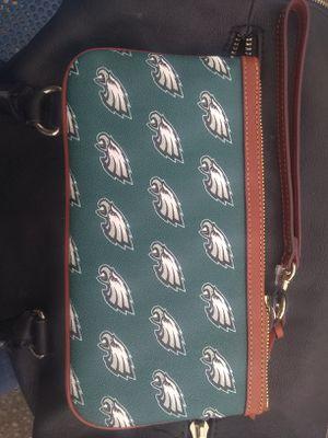 Wristlet/ wallet Dooney & Bourke Philadelphia Eagles. 60$ O.B.O for Sale in Portland, OR