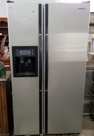 Samsung 24.52 Cu Ft Side By Side Refrigerator / Freezer - Delivery Available for Sale in Tacoma, WA