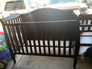 Delta Eclipse Baby Crib Vintage Espresso with Mattress for Sale in Las Vegas, NV