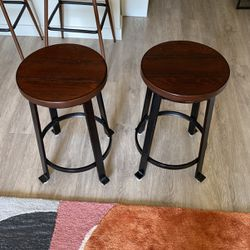 Barstool (Kitchen Counter Height) for Sale in Beverly Hills,  CA