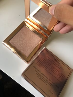 Dose of Colors Desi x Katy highlighter for Sale in Rosemead, CA