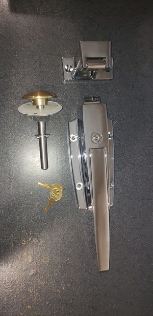 CHG W38 Series Walk-in Cooler latch with lock, 3/4 offset strike, and inside release for Sale in Anaheim, CA