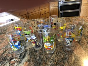 11 vintage collectible glass tumblers flintstones snoopy muppets Disney excellent for Sale in Gilbert, AZ