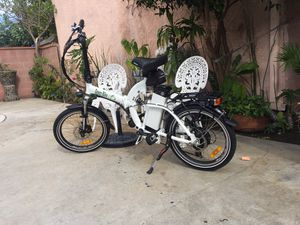 Green bike folding very nice battery 30- 60 Mlllas single chardger speed 25 for Sale in South Gate, CA
