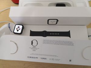 Apple watch series 4 40mm for Sale in Orlando, FL