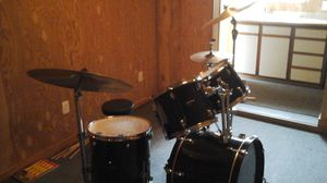 5 piece Ludwig drum set with 4 Zildjian cymbals and stands ready to rock for Sale in Seattle, WA