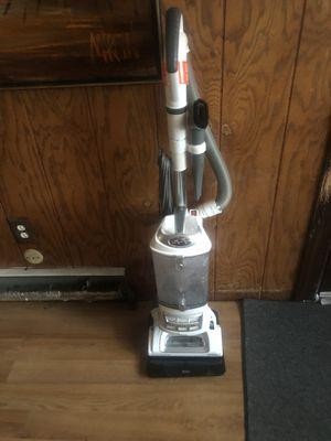 Shark lift away vacuum for Sale in Lansdowne, PA