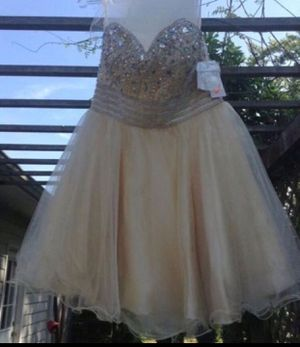 BRAND NEW STRAPLESS FORMAL DRESS for Sale in Tacoma, WA