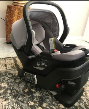 4 moms car seat for Sale in Washington, DC
