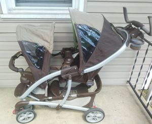 Graco double stroller for Sale in Pittsburgh, PA