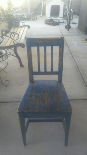 Chair antique for Sale in Lancaster, CA