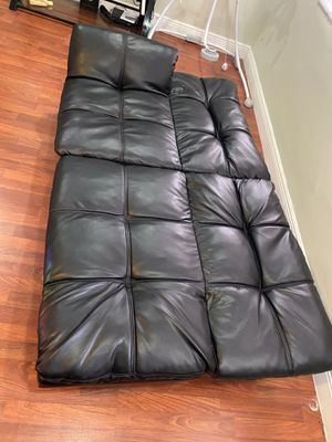 Black leather futon and Sofa for Sale in Miramar, FL