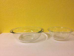 PYREX 322 and 324 Clear Mixing Bowls for Sale in Austin, TX
