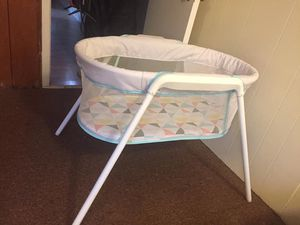 Portable bassinet for Sale in Lancaster, OH