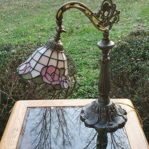 STAINED GLASS DESK LAMP for Sale in Columbia, SC