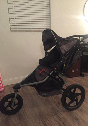B.O.B. Revolution Pro Jogging Stroller (like new) for Sale in Pembroke Pines, FL