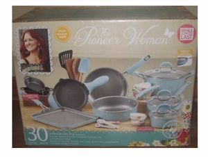 Pioneer Woman Cookware Set for Sale in Clovis, CA