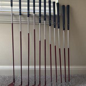 Nancy Lopez- Ashley SE- Women's Golf Iron Wood Set for Sale in Kirkland, WA