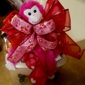 Valentine Gift Basket for Her for Sale in Katy, TX