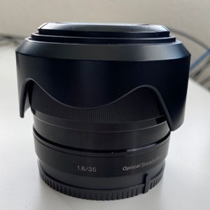 Sony 35mm 1.8 E Mount Lens, Crop Lens for Sale in Carlsbad, CA
