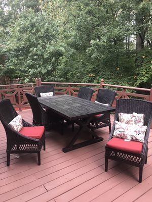 Patio Dinning Furniture 7 Piece Set, 6 chairs, pillows and table for Sale in Bethesda, MD