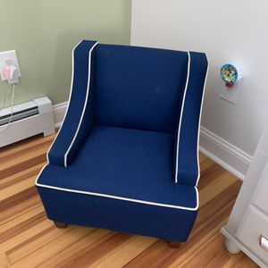 Toddler Chair for Sale in New Britain, CT