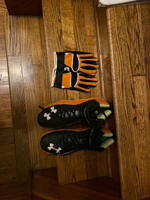 Under Armour football cleats sizes 14 and gloves for Sale in Westlake, OH