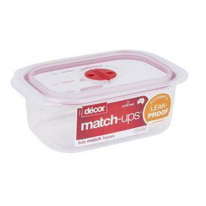 Two Decor Match-ups Red Oblong Realseal Food Storage Container for Sale in San Diego, CA