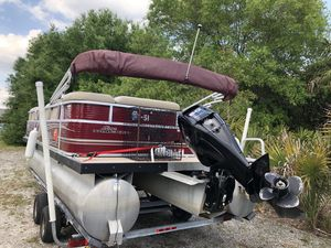 2013 sun tracker 22'with 2013 60hp mercury outboard for Sale in PT CHARLOTTE, FL