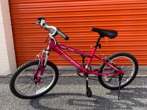 Bike for girls and helmet for Sale in Winter Park, FL