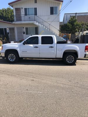 2011 GMC Sierra SL 4.8l V8 with flex fuel and tow package for Sale in San Diego, CA