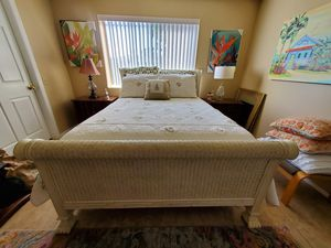 Gorgeous queen bed frame for Sale in Naples, FL