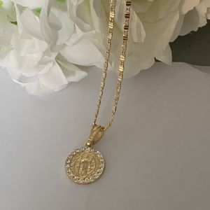 New 14k gold plated st benedict necklace for Sale in Algonquin, IL