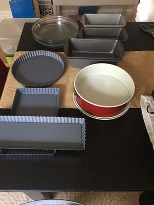 Wilton,good cook,Pyrex,NordicWare for Sale in St. Louis, MO