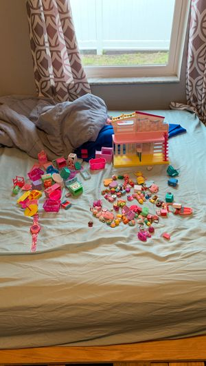 Shopkins and Shopkins playlet for Sale in NEW PRT RCHY, FL