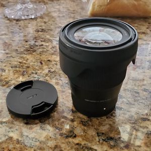 Sigma 16mm E mount lens for Sale in Rosemead, CA