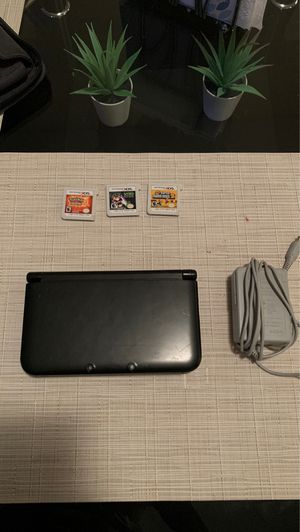 Old 3Ds XL With 3 games and charger for Sale in Pembroke Park, FL