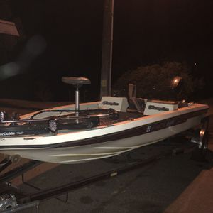 19ft 96 Champion Bass Boat for Sale in Snelling, CA