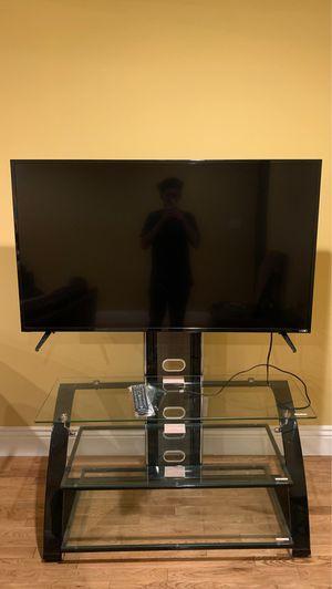 Vizio 55 inch (TV mount w/ shelves) for Sale in Lynwood, CA